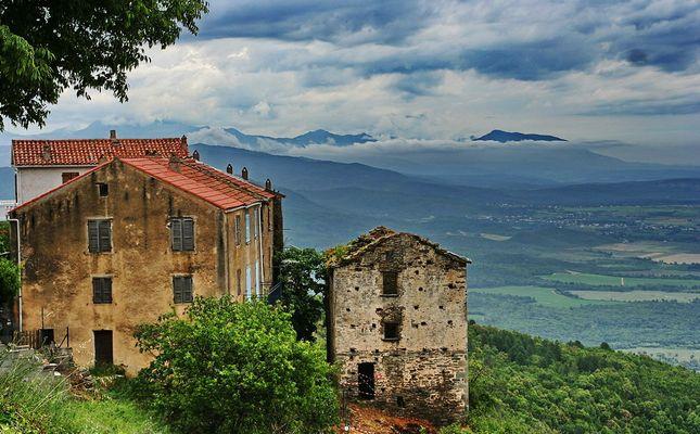 Korsika - wilde Natur und vergangene Kultur