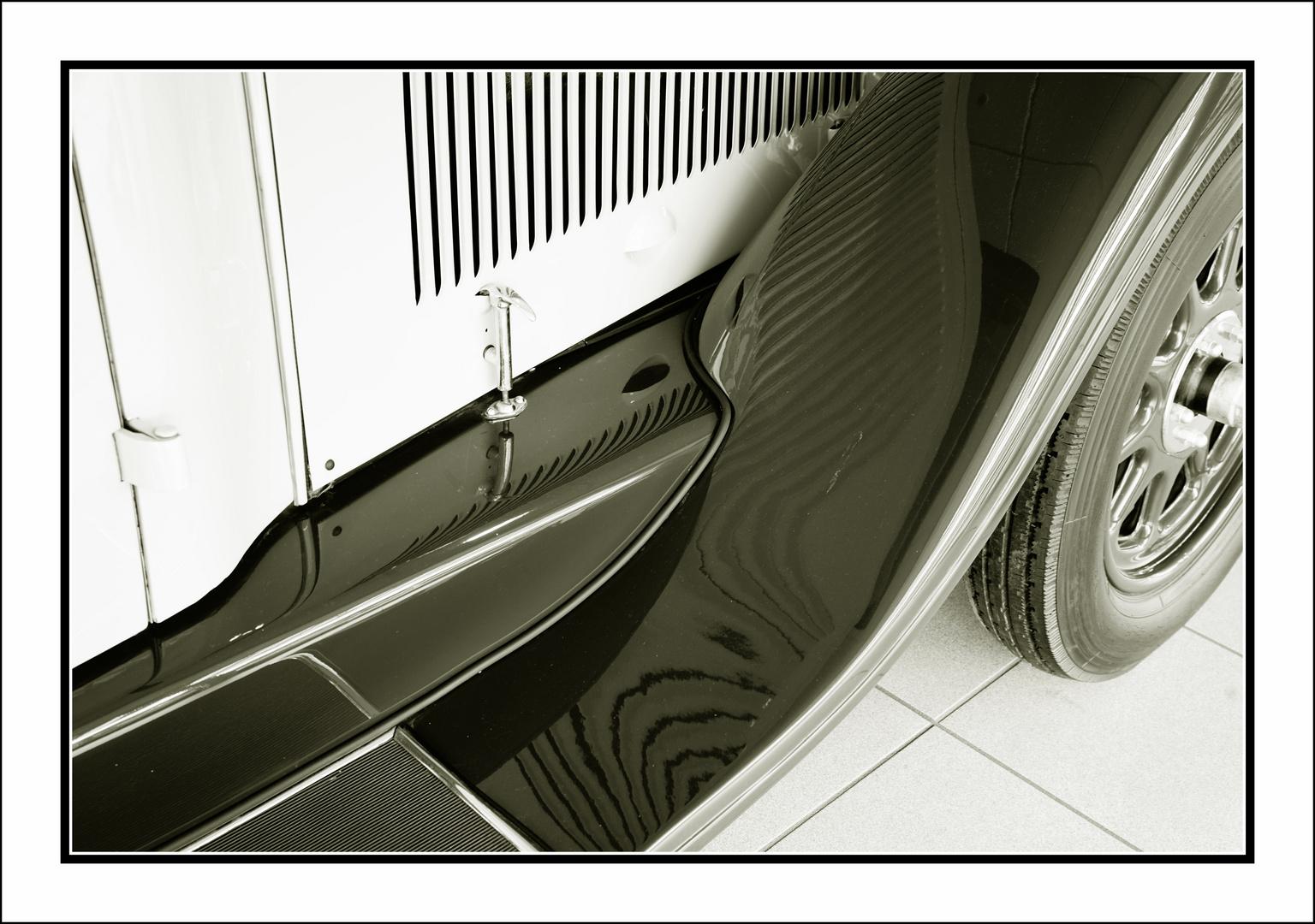 Kotflügel ( Mercedes Limousine von 1930 )