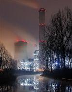 Kraftwerk Frimmersdorf von der Erft aus