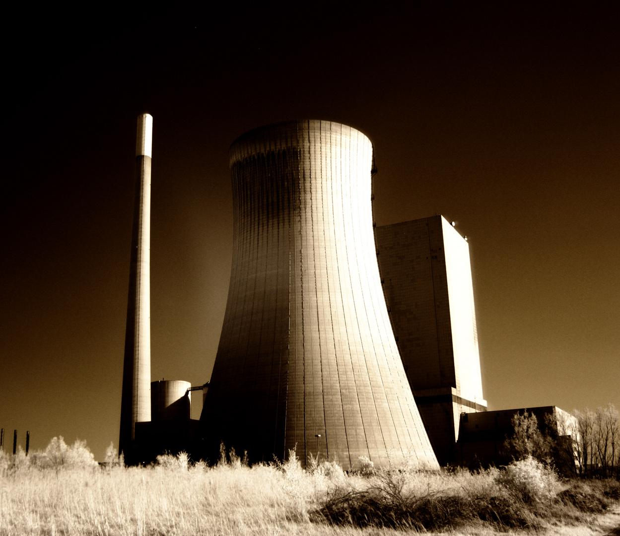 Kraftwerk in Infarot