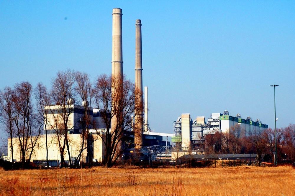 Kraftwerk Lausward im Düsseldorfer Hafen