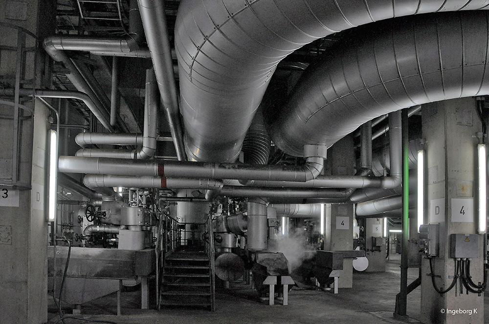 Kraftwerk Niederaußem - Dampfleitung vom Kessel zur Turbine Foto ...