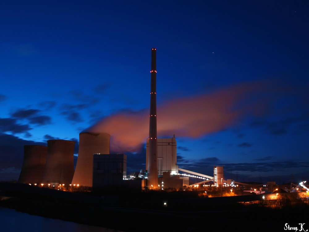 Kraftwerk Stockum - blaue Stunde (3)