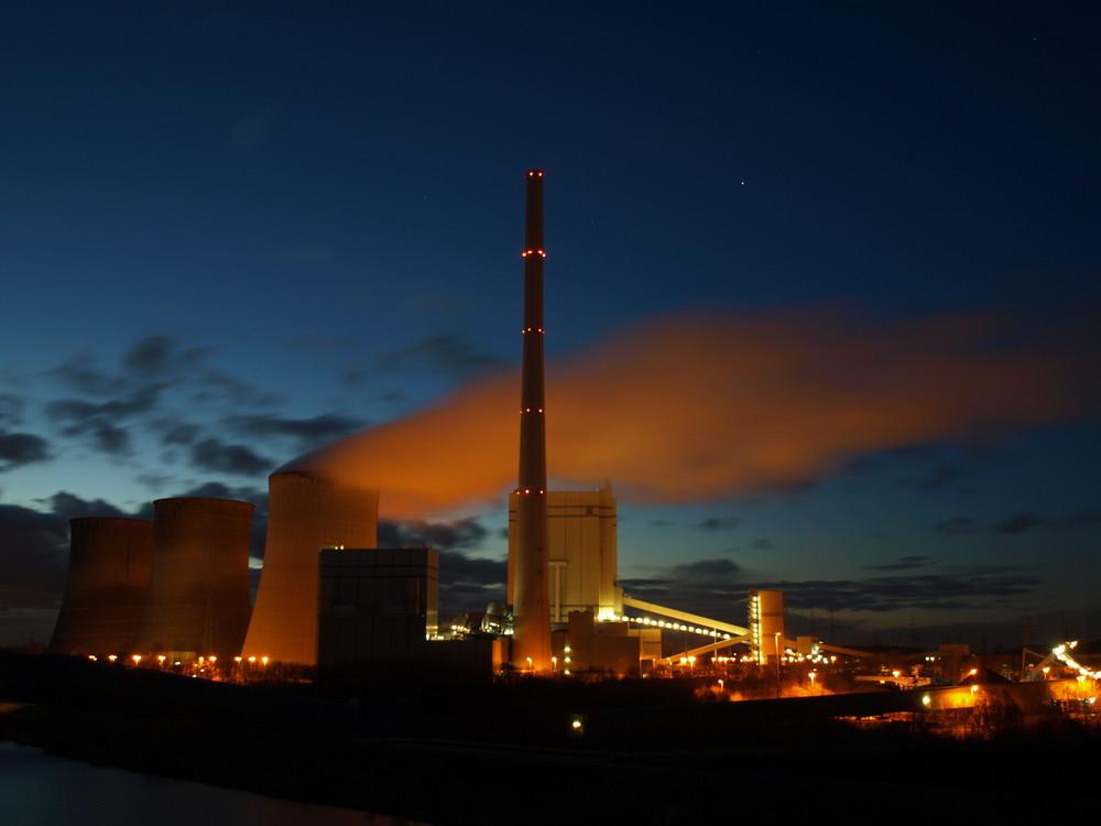 Kraftwerk Stockum - blaue Stunde