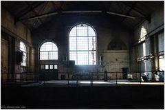 Kraftwerksruine - Halle des Lichts