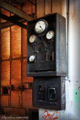 Kraftwerksruine - Instrumententafel
