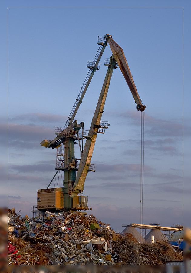 Kran im Industriegebiet Rothensee (Magdeburg)