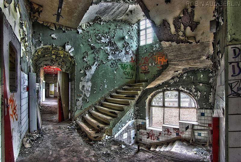 Bilder Treppenhaus krankenhaus treppenhaus foto bild architektur lost places