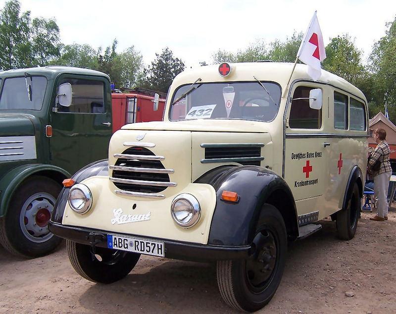 Krankenwagen aus den 50er Jahren