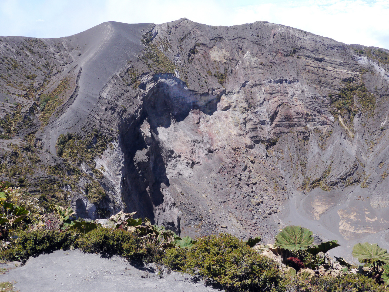 Krater des Vulkans Irazu, ca.3400 hoch