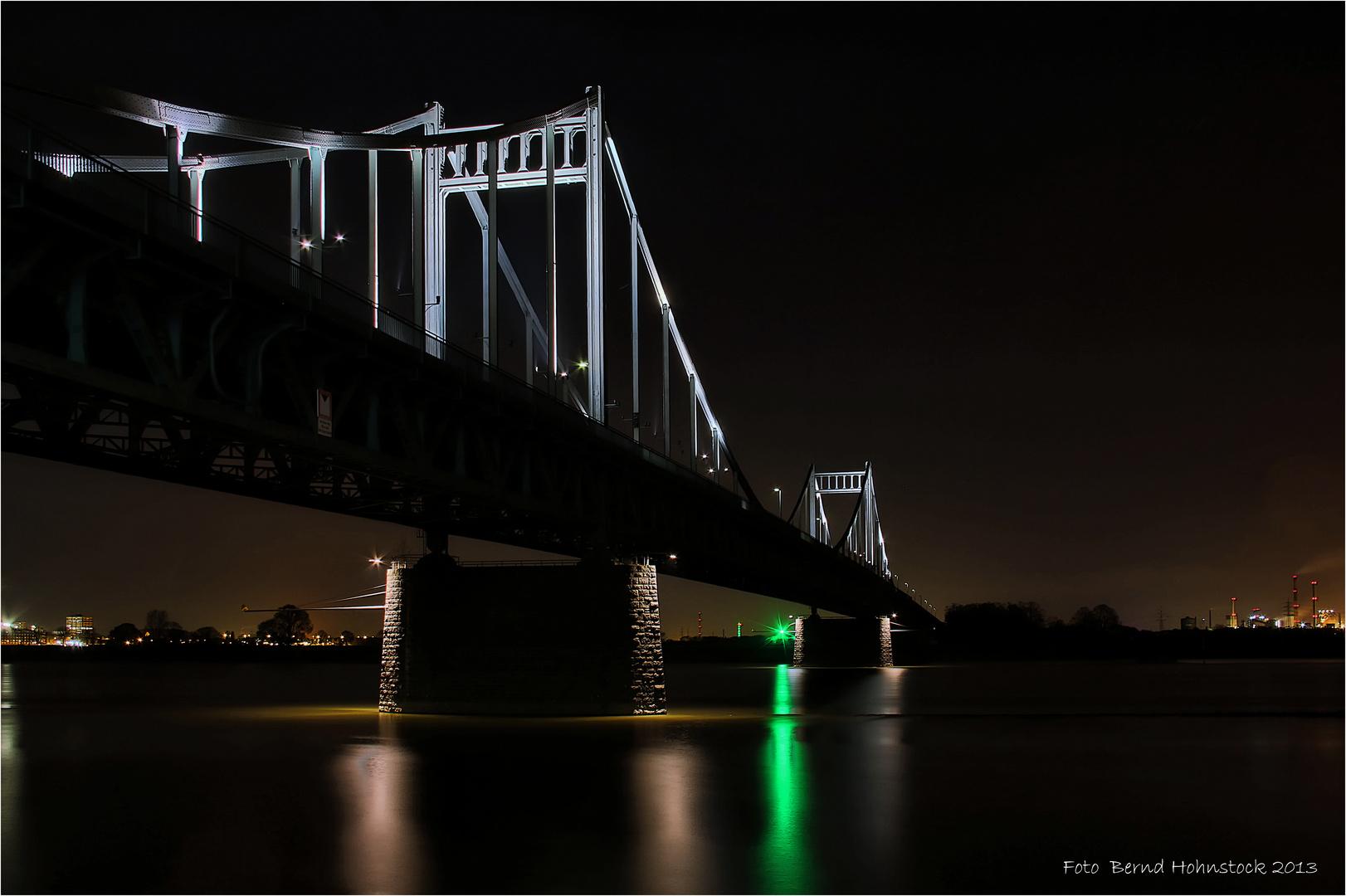 Krefeld-Uerdinger Brücke ...........