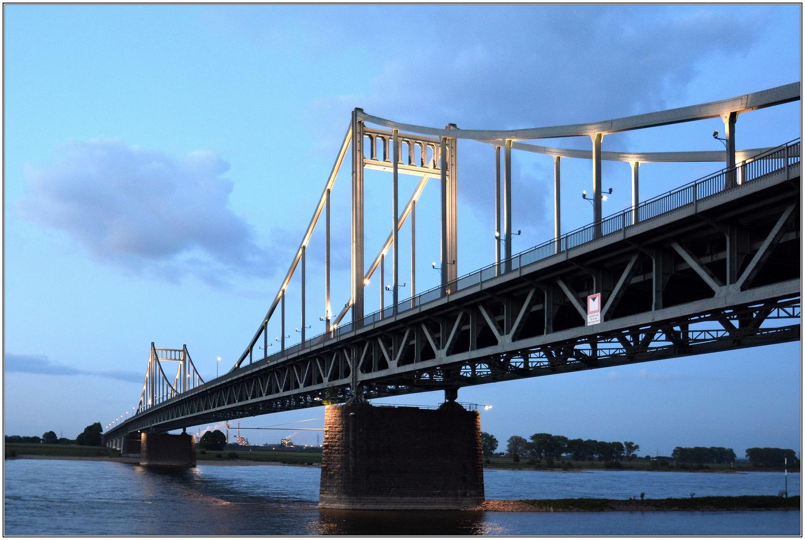 Krefeld - Uerdinger Brücke