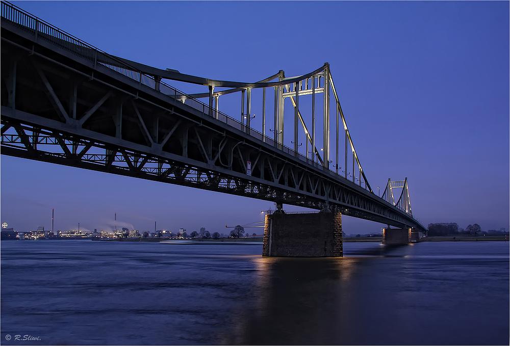 Krefelder Brücke