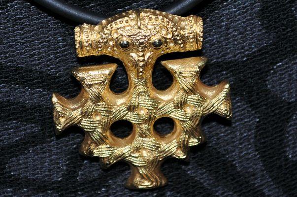 Kreuz aus dem Hiddenseeschmuck