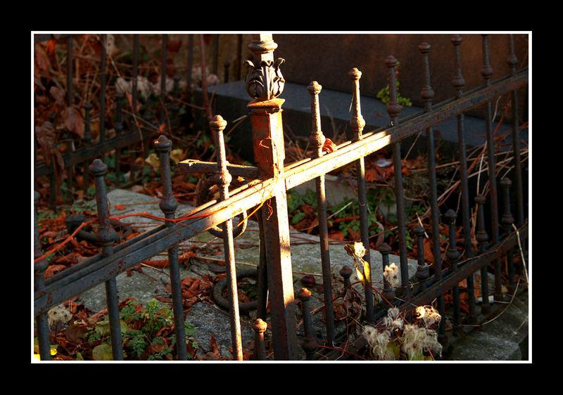 Kreuz aus Licht