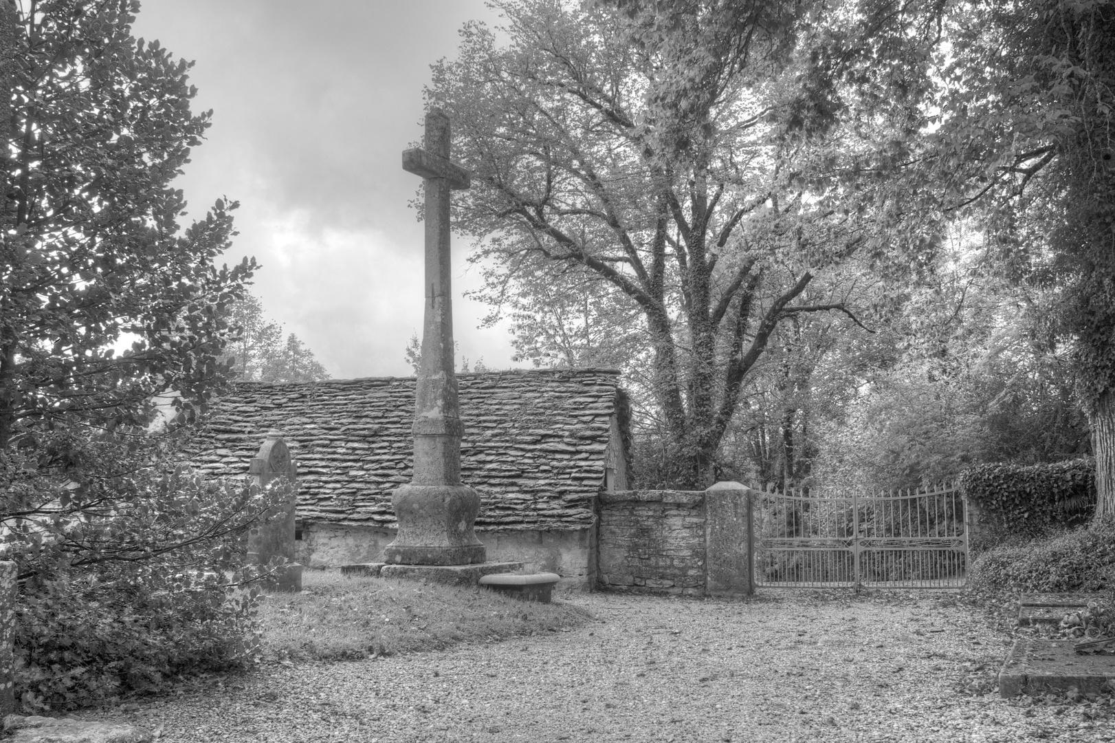 Kreuz im Herbst