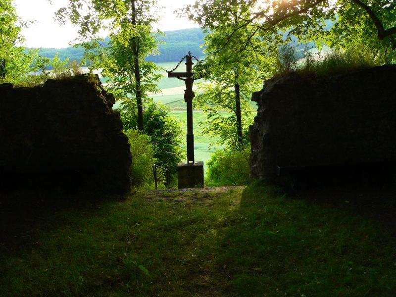 Kreuz in der Landschaft