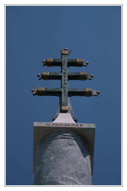 Kreuz in der Sonne - II