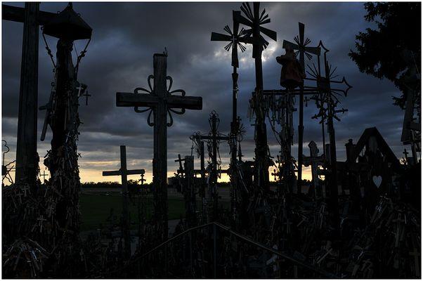 Kreuz und Quer am Berg der Kreuze - Litauen
