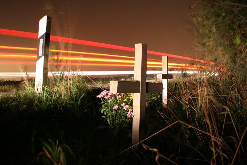 Kreuze am Straßenrand