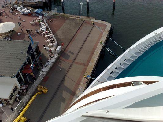 Kreuzfahrtschiff Dimension