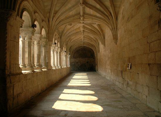 Kreuzgang Kloster Santo Estevo