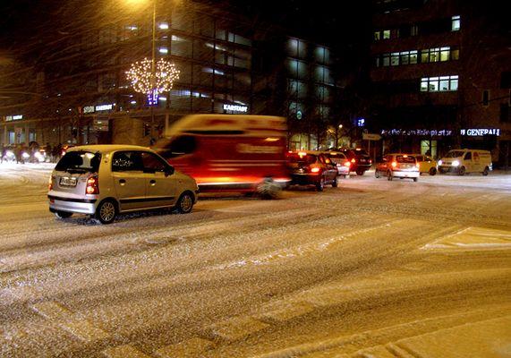Kreuzung im Schnee