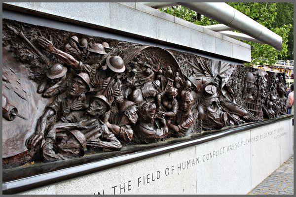 Kriegerdenkmal an der Themse - London