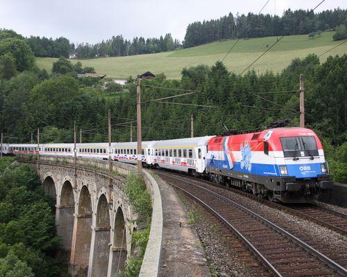 """""""Kroatien"""" mit kroatischem Zug am Semmering"""
