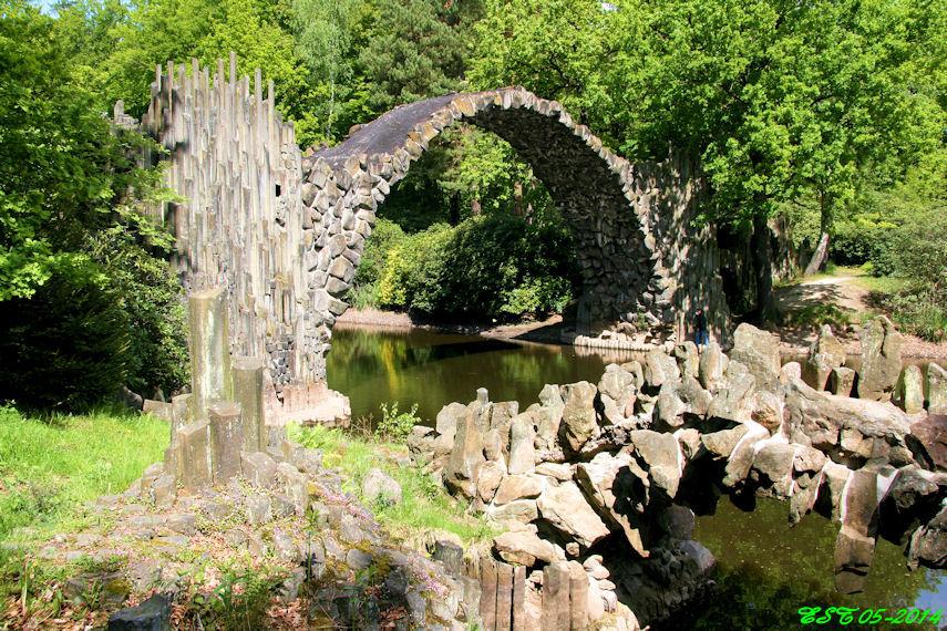 Kromlau Park Rakotzbrücke (3)