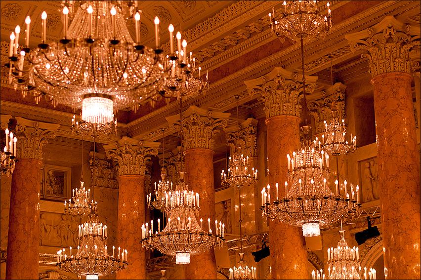 Kronleuchter im Zeremoniensaal der Hofburg 2011