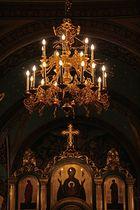 Kronleuchter und Ikonostase in der Kathedrale in Chisinau (Moldawien)