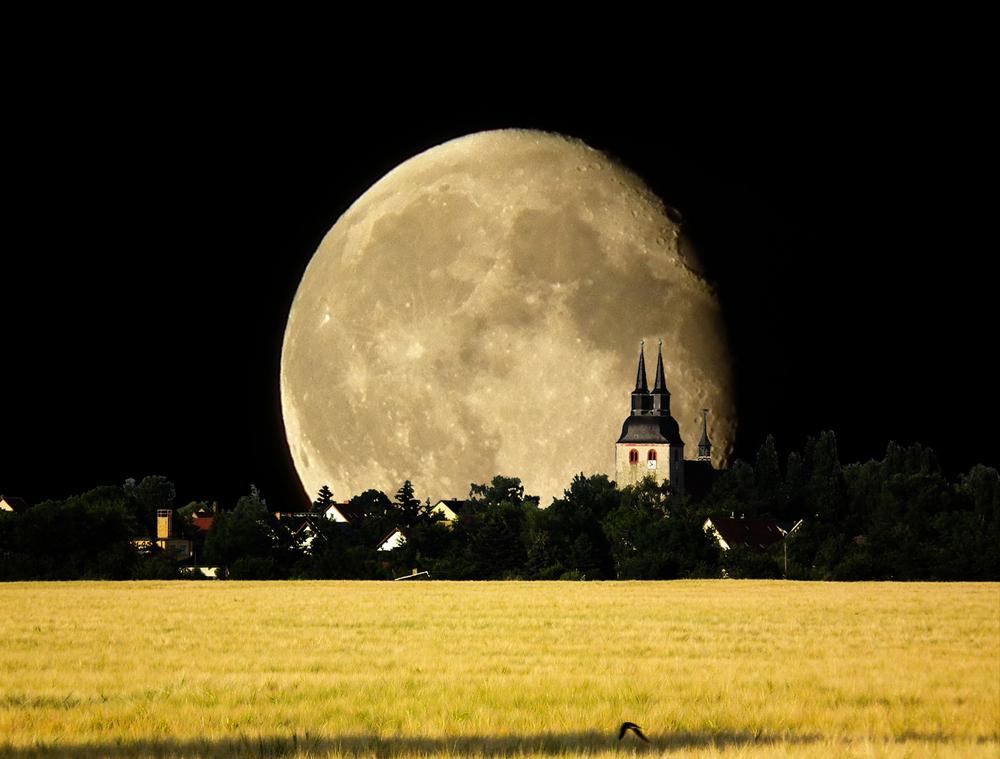 Krostitz- der Mond ist aufgegangen....