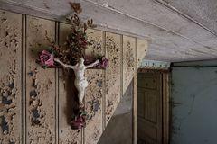 Kruzifix mit Rosen...