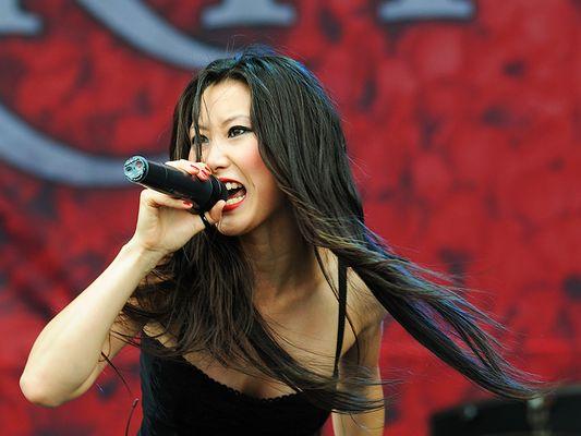 Krypteria (Ji-In Cho) @ M'era Luna Festival 2009
