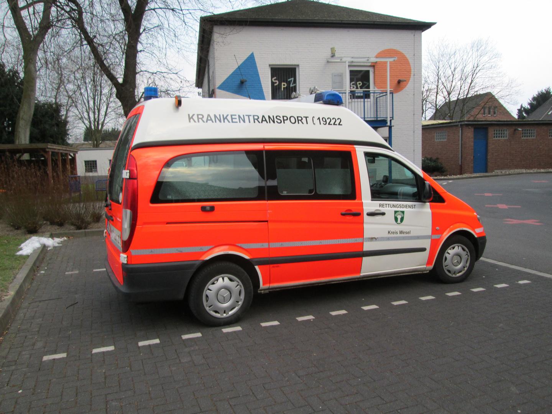 KTW der Rettungswache Kamp-Linfort