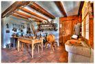 Küche im Strohdachhaus