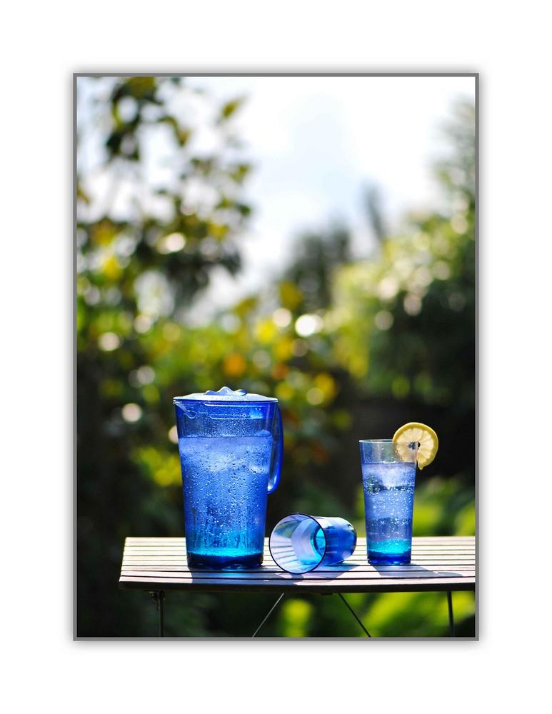 Kühler Trink an einem heißen Tag