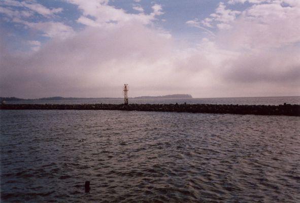 Küste bei Lauterbach/Ruegen, Blick auf Insel Vilm, April 2005