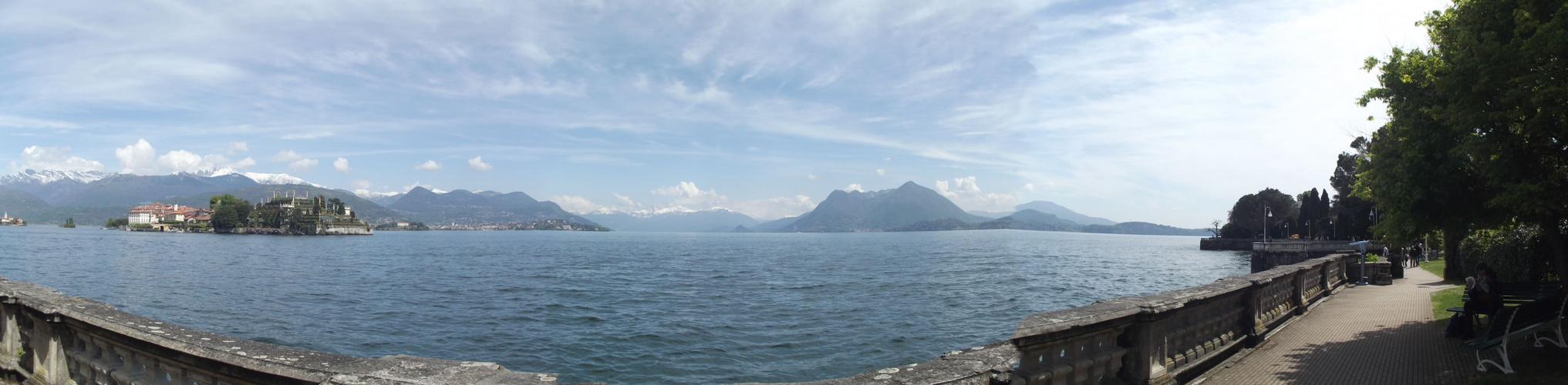 Küstenabschnitt lago maggiore