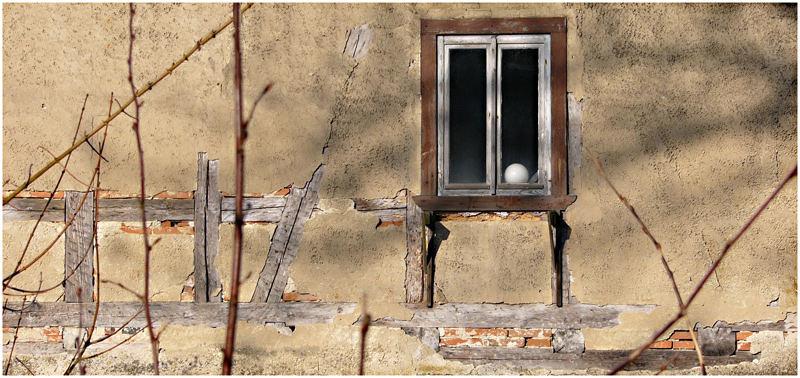 Kugel im Fenster ...