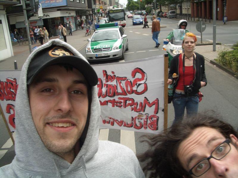 Kuk Kuk und die Grünen im Hintergrund