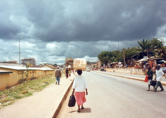 Kumasi - African Way Of Carrying