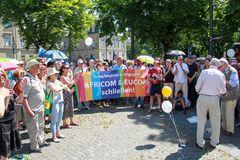 Kundgebung Menschenkette AFRICOM Stuttgart 6.6.2015