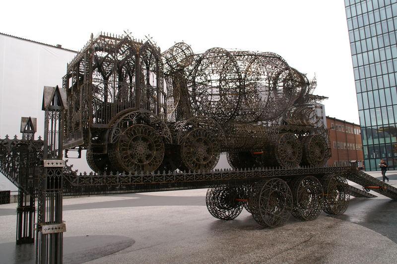 Kunstvoller Lastwagen