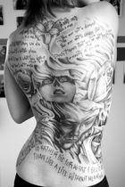 Kunstwerk auf meinem Rücken