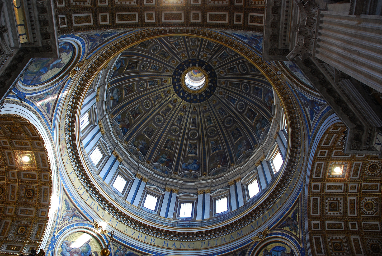 """ Kuppel des Petersdoms.. """