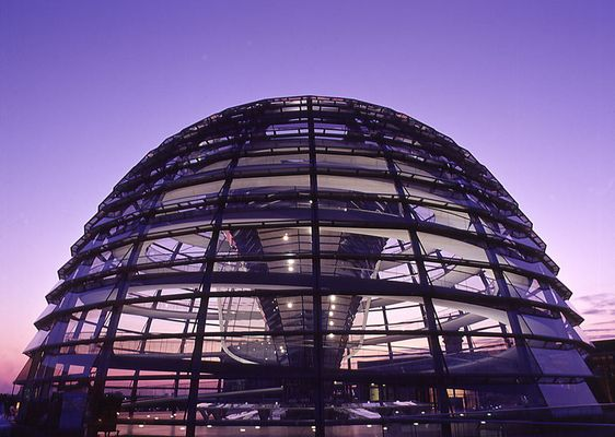 -- Kuppel des Reichstags --
