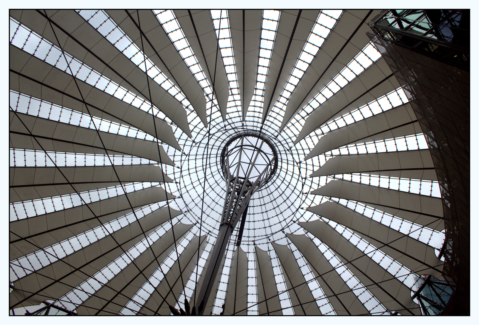 Kuppel Sony Center Berlin.