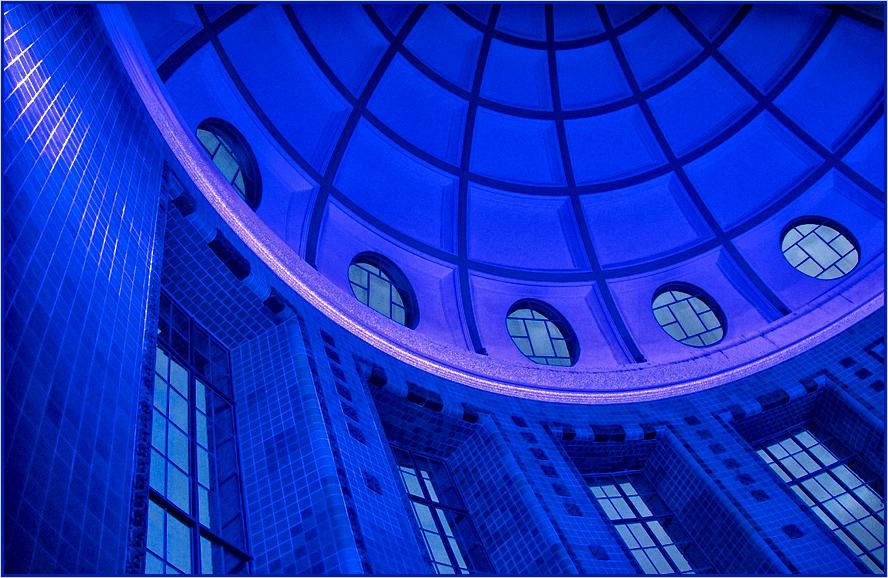 ... kuppel vision in blue ...